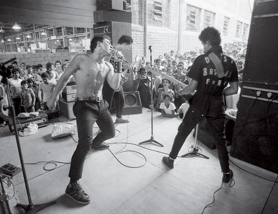 """Festival punk """"O Começo do Fim do Mundo"""", realizado no Sesc Pompeia em 1982"""