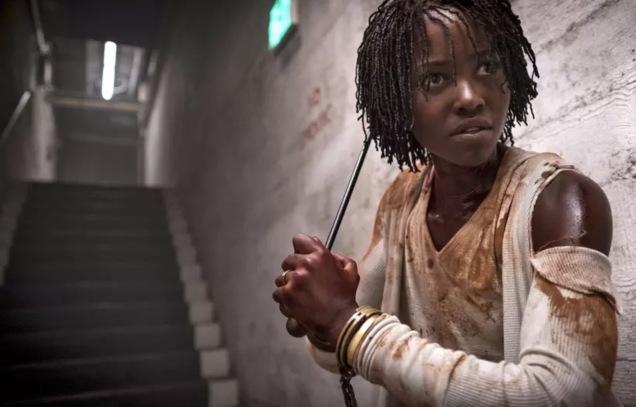 Lupita Nyong'o em cena do filme Us, de Jordan Peele